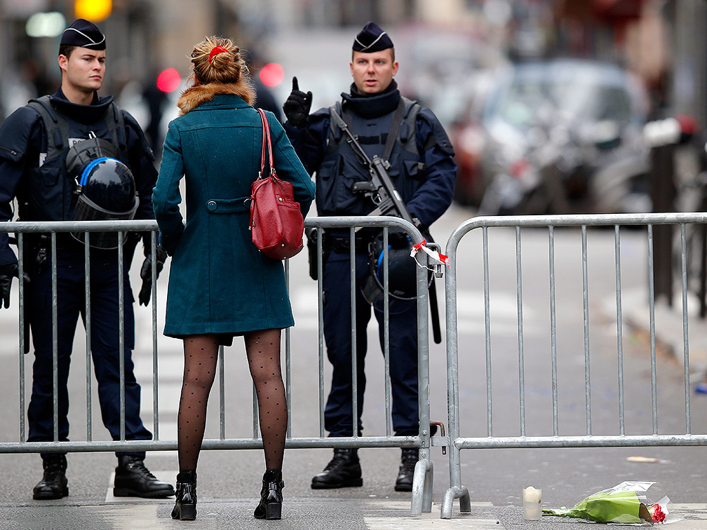 paris-attack-police-1024