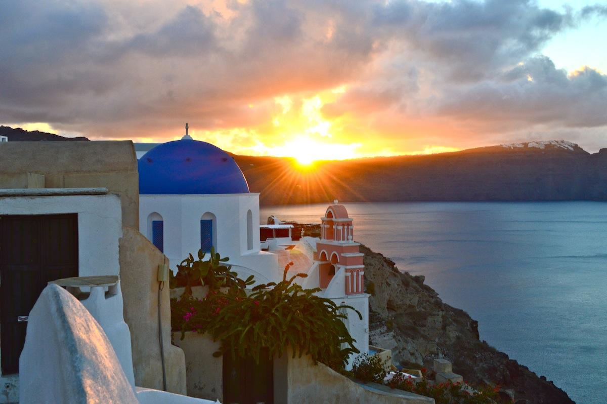 Sunrise-at-Oia-Santorini